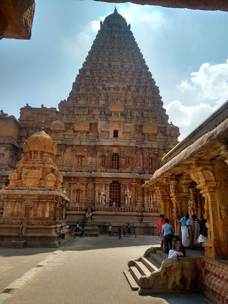 JW_SIGP_LABELS_08 Front_view_of_Thanjavur_Temples_in_Tamil_Nadu.jpg
