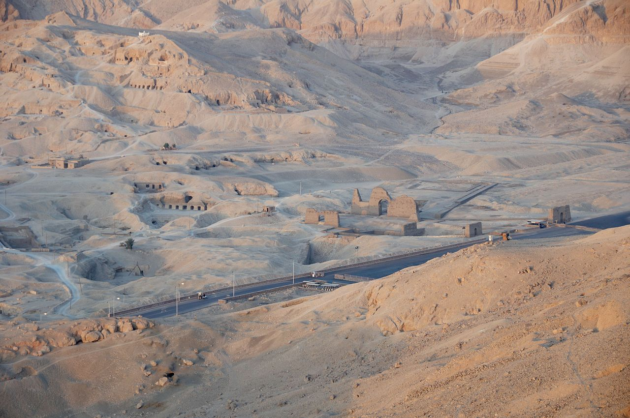 JW_SIGP_LABELS_08 01-Luxor_Valley_of_the_Kings_B.jpg