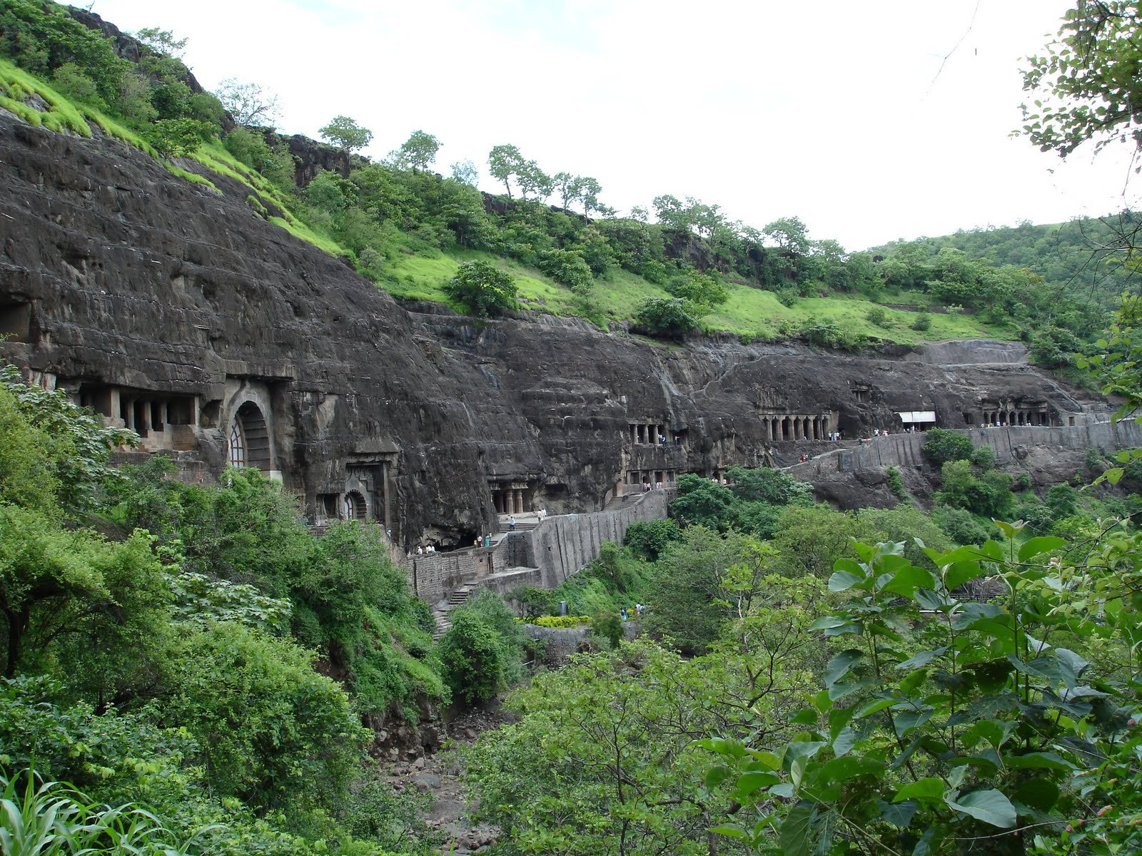 JW_SIGP_LABELS_08 1404729104_ajanta-caves.jpg