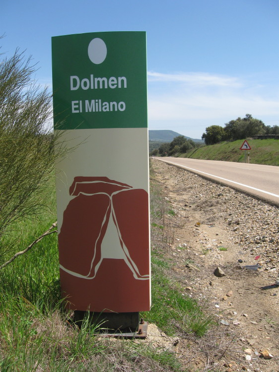 JW_SIGP_LABELS_08 El_Milano_pic_02_site_sign.jpg